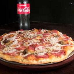 Pizza Grande de Calabresa + Coca-Cola Original 2L