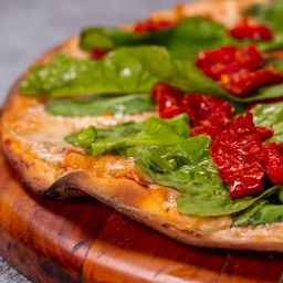 Pizza de Rúcula e Tomate - Família