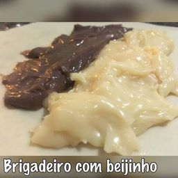 Pastel de Beijinho com Brigadeiro
