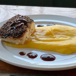 Filé de Dourado na Crosta de Gergelim