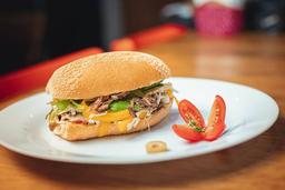Sanduíche de Carne Louca com Canastra