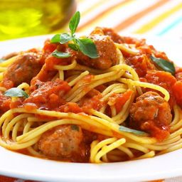 Spaghettini com Almôndegas e Refrigerante 350ml