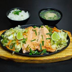 Teppanyaki Salmão