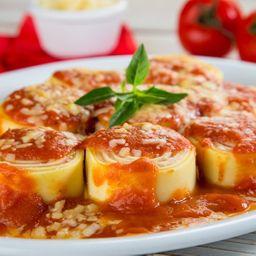 Rondelli de queijo, tomate seco e manjericão