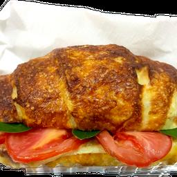 Croissant Recheado de Queijo e Tomate