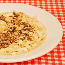 Fettuccine funghi secchi ( 2 pessoas )