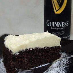 Bolo Guinness
