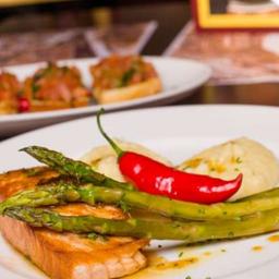 Steak de Saumon Aigre-Doux Et Aligot à Marcos Caruso