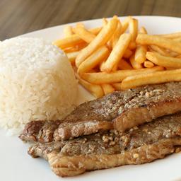 Alcatra, arroz, feijão e fritas