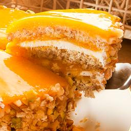 Fatia torta de damasco com pistache