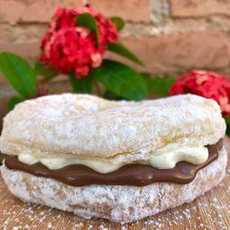 Mini Donuts Creme Avelã com Leite Ninho