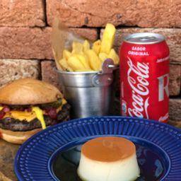 Combo 1 Burger + 1 Sobremesa