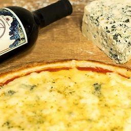 Combo Pizza 4 Queijos e Vinho