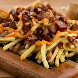 Batata Frita com Bacon e Linguiça