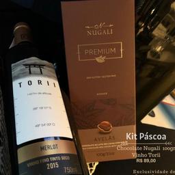 Kit Presente Chocolate e Avelã + Vinho Tinto Merlot Torii