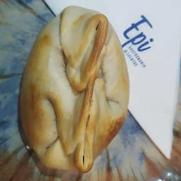 Empanada Queijo e Cebola