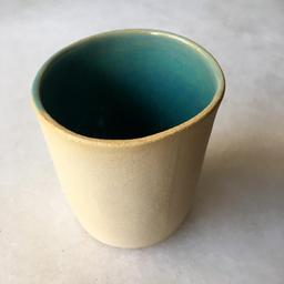 Xícara cerâmica sem alça