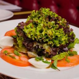 Salade Caprese à Cláudia Raia