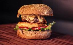 Tropical Burger com Abacaxi Grelhado
