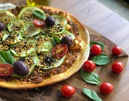 Pizza Abobrinha com Pesto de Tomate Seco