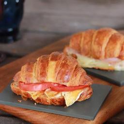 Croissant Com Queijo Tomate E Orégano - 95g