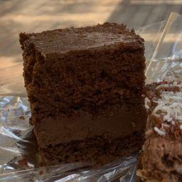 Bolo Gelado Trufado de Chocolate