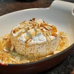 Queijo Brie Trufado