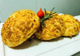 Pão de Queijo de Tapioca com Parmesão