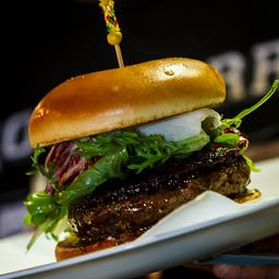 X-Picles - Burger, Queijo, Salada e Sunomono (Picles de Pepino)