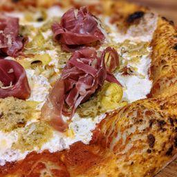 Pizza π carciofi e prosciutto
