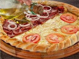 Pizzas Salgadas com 2 Sabores