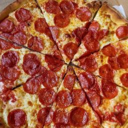 Pizza calabresa + refri 1l grátis