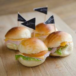 Mini Sanduiche Presunto e Queijo Prato 4 Unidades