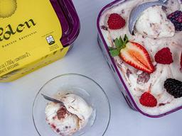 Linha Premium - Iogurte com Frutas - 2L