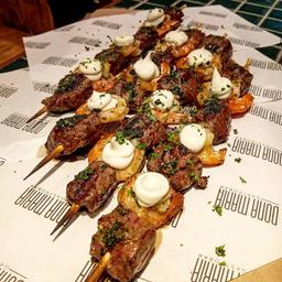 Kebab Surf 'n' Turf - Mignon e Camarão