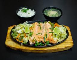 Teppanyaki de salmão
