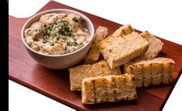 Iscas de Filet Mignon com Catupiry e Pão