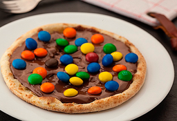 Esfiha de Nutella com M&M's