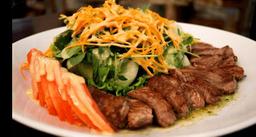 Salada de filé mignon