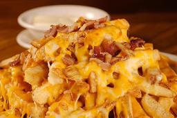 Batatas Fritas Com Cheddar E Bacon