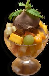 Salada de Frutas Com Sorvete de Chocolate