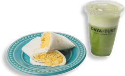 Tapioca de ovos mexidos e suco verde