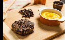 Hambúrguer de Fraldinha com Purê de Mandioquinha e Shitake
