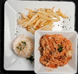 Strogonoff com Batata Sauté + Salada