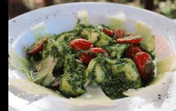 Tortellini ripieno di Bufala e Basilico (sugestão do Chef)