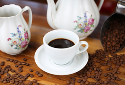 Café Expresso e Pão na chapa com requeijão