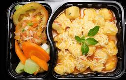 Nhoque mandioquinha + saladinha