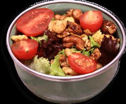 Saladinha De Folhas Orgânicas E Tomatinhos