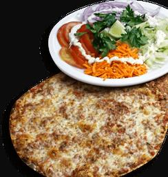 Lahmajun de Carne com Mussarela + Salada + Molho