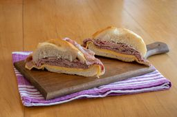 Sanduíche de Rosbife Caseiro